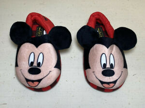 Disney Junior Mickey Mouse Slippers Size Toddler 7/8 plush ears