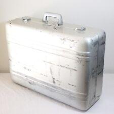 Zero Centurion Elite Halliburton Large 26 X 18 X 9 Aluminum Suitcase Case w Key