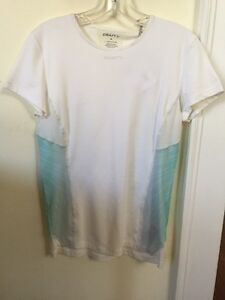 New Women's Craft Cool Tee Base Layer Size Medium White Wing Print Short Sleeve