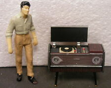VINTAGE RECORD PLAYER DIORAMA ACCESSORIES  1:24 (G) Scale MIP!