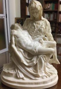 Scultura La Pietá firmata A. Santini