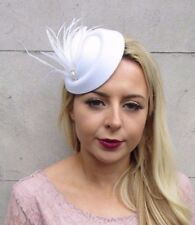 White Silver Feather Pillbox Hat Hair Fascinator Races Clip Headpiece Vtg 4423