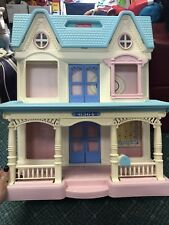 Vintage Fisher Price Loving Family 6364 Foldable DollHouse Doll House