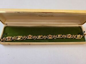 Vintage Krementz Gold Tone Bracelet with Leaf & Floral Detail. In original box