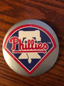 Vintage 1990's Philadelphia Phillies pin! Beautiful condition