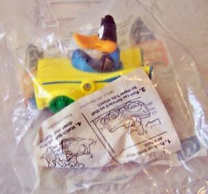 NIP 1992 Looney Tunes Quack Up Cars Happy Meal Toy Daffy Splittin Sportster