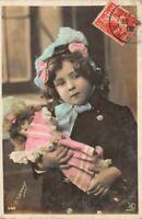Carte fantaisie Photo d'art petite fille et sa poupée