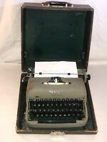 Vintage Remington Travel Riter Manual Typewriter with Case Works