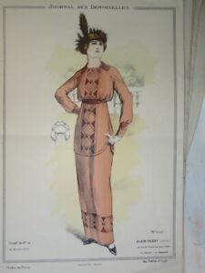 BELLE GRAVURE DE MODE COULEUR FEMME COSTUME CHIEN COIFFE ROBE DECORATION 1913 E