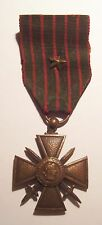 VINTAGE WW I French Croix de Guerre Medal War Cross with Bronze STAR 14-18 Aged