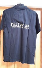 """""""Follow me - I know where the wine is!"""" Slogan polo T-shirt in black/gold Size L"""