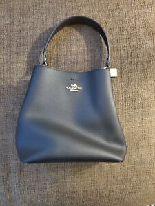 Coach Small Town Bucket Bag pebble leather - Black