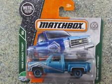 Matchbox 2018 # 028/125 1975 Chevy Stepside Blu Caseb