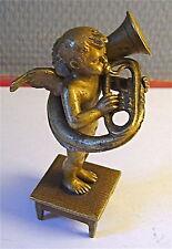 bronze de vienne ,ANGE MUSICIEN ,JOUANT DU COR ,estampillé a l'amphore BERGMANN