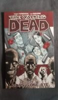 Image Comics The Walking Dead Volume #1 (2005)VF-NM Free Bag/Board TPB 3rd print