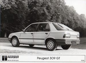 Peugeot 309 GT Large Format Period Press Photograph - 1986
