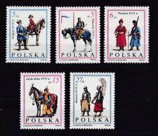 Echte Briefmarken aus Polen mit Militär- & Kriegs-Motiv als Satz