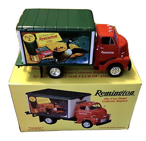 Remington Die Cast Metal Truck Goose 1952 GMC Dry Goods First Gear Game Bird