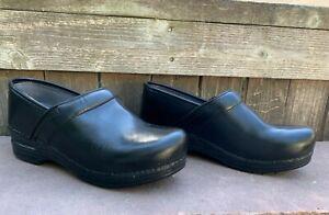 Dansko Women's XP  Slip Resistant Black Leather Clog Sz 38 (7.5-8)