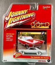 JOHNNY LIGHTNING ( WHITE LIGHTNING ) 1965 BUICK RIVIERA PLAYING MANTIS FREE SHIP