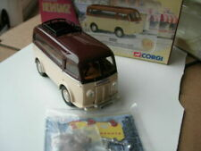 Fourgons miniatures marrons Corgi