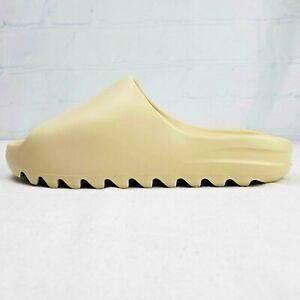 New in Box Yeezy Slides in Bone Men's Size 10 (FW6345) - BBS157