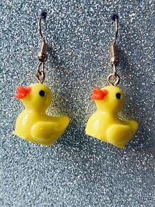 FUNKY CUTE RUBBER DUCK Earrings Yellow Resin 3 D Fun Kitsch Size 2.0 x 1.6 cms
