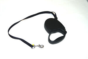 flexi black Retractable Leash for up to 26 lbs dogs
