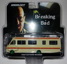 Greenlight 33021 Breaking Bad 1986 Fleetwood Bounder RV Scale 1:64 Scale CHASE