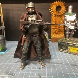 Desert Wasteland Ranger Kit Figure With Armor Mezco Slim Marvel Legends