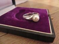 Hübscher 925 Silber Ring Design Perle Massiv Modern Elegant Schlicht ca. 8,4 Gr