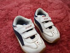 BOYS CLARKS CICA WHITE WITH BLUE TRAINERS SIZE 5F EXCELLENT CONDITION