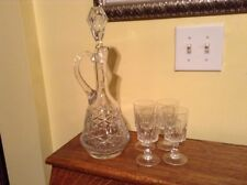Beautiful vintage decanter with 4 crystal 4 oz cordial wine glasses