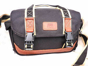 Quality JESSOPS Camera and Lens Gadget Bag. (Medium/Large)