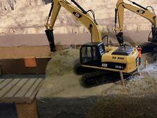 1:50 Escavatore CATERPILLAR CAT 323D L con H120E Martello Idraulico 5528 CUSTOM