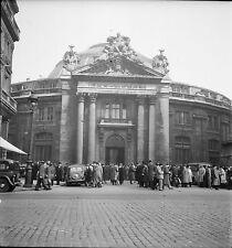 PARIS c. 1950 - Autos  Bourse du Commerce  - Négatif 6 x 6 - N6 P21