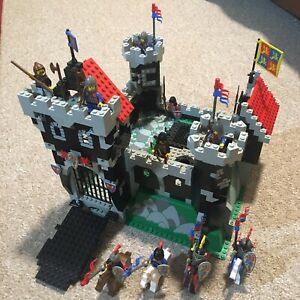 Lego Black Knights Castle 6086 / 97% Complete with Instructions