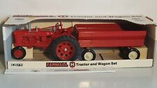 Ertl Farmall H w/Wagon 1/16 diecast and pressed steal replica collectible