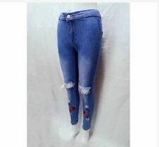 HIGHWAIST KNEE CUT JEANS ROSE EMBROIDERED SIZE 30