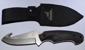 """Vtg. Gerber Fixed Blade Skinning Knife w Gut Hook - 4"""" Blade - Nylon Sheath"""