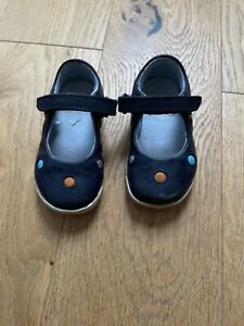 Clarks Toddler Girls Shoes size 5.5G