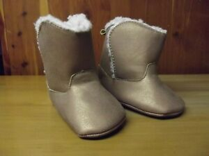 CARTER'S Baby Girl's Gold and White Sheepskin insulated crib boots 3-9 Months