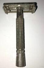 Vintage Gillette Safety Razor F1 dog 110