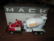 2000 1st Gear Mac R - Model Mixer 1:34 Scale