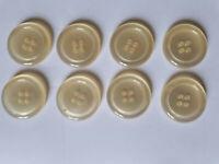 8 alte aber unbenutzte Knöpfe, original verpackt, 4Loch, 20mm