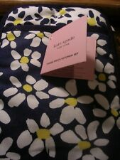 New listing Kate Spade New York 3 Piece Kitchen Set Pot Holder Mitt & Towel New With Tags