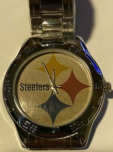 NFL PITTSBURGH STEELERS Men's/Women's Watch with a Chrome Stainless Steel band.