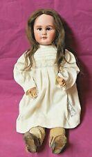 Puppe Kopf aus Porzellan Augen Brauntöne Handsigniert Dep 61 CM