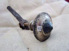 ancien bouton- poignée de meuble-porte-cours de ferme-horloge- en métal-art déco