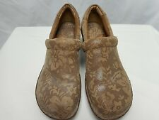BORN Peggy mules sz 8 M/W (39) Natural color (tan) Worn once